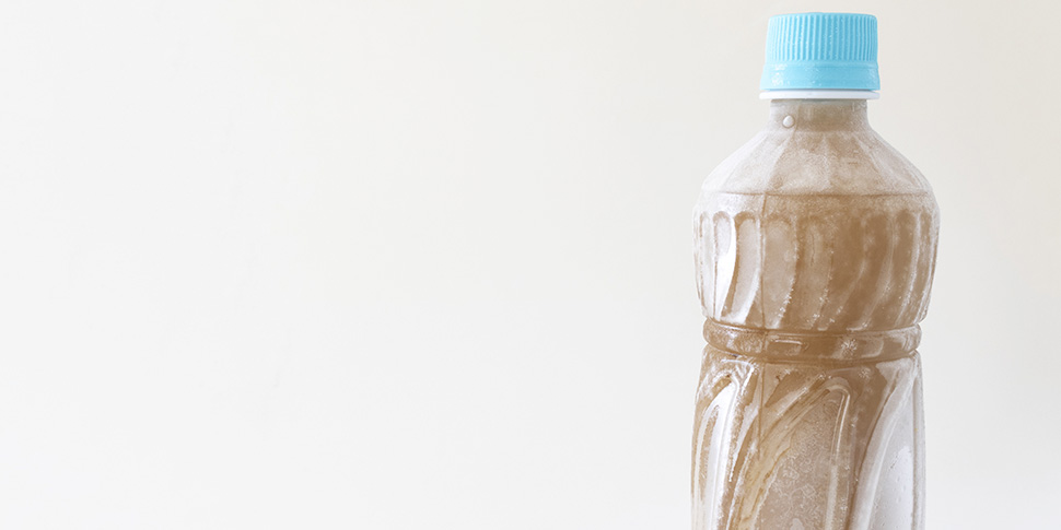 ペットボトルを凍らせるコツとは? 冷凍するときの注意点